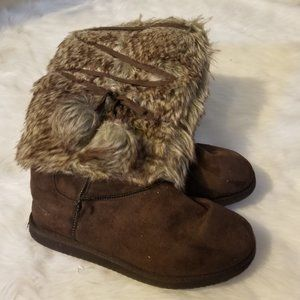 Brown Suede Boots Fur Trimmed Felt Lined Lace Ties